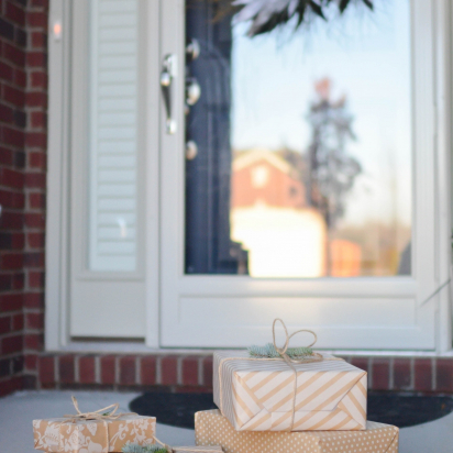 Sustainable Shipping: 8 Eco-Friendly Holiday Shipping Tips